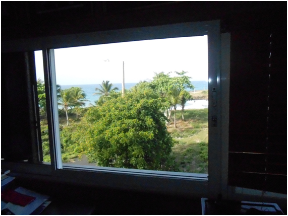 Vista al mar desde la biblioteca